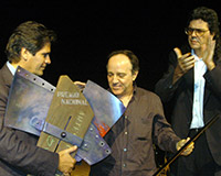With Abel Prieto, minister of culture of the Republic of Cuba (1997-2012), and Rafael Acosta, president of the Plastic Arts Council (1995-2009), during the National Visual Arts Award ceremony, Havana, 2004, during which Fabelo received an award.