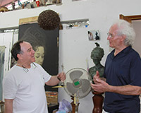 Fabelo, together with Luciano Benetton. Artist's Studio, Havana.